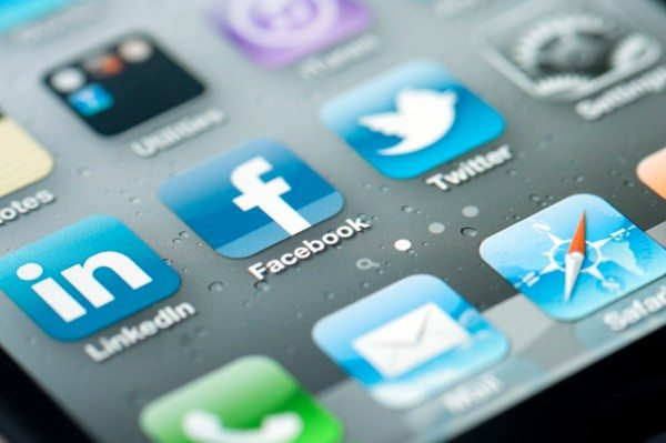 5 Things Business Owners Should Consider Before Using Social Media